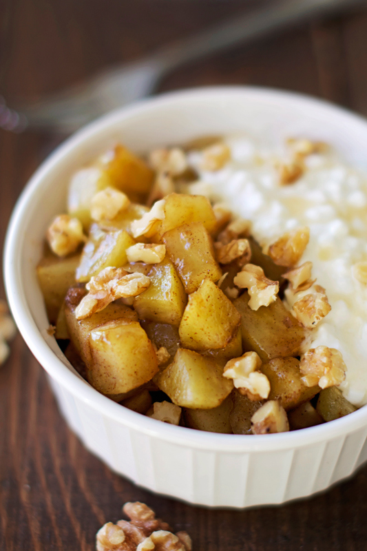 Healthy-Warm-Cinnamon-Apple-Mess