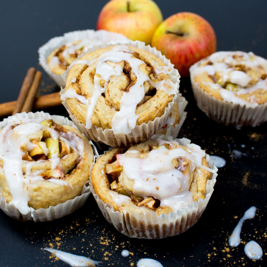 Vegan-Cinnamon-Rolls-with-Apples-2