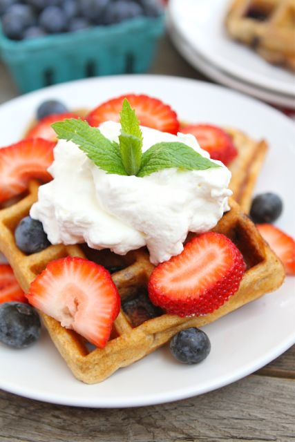 Blueberry-Yogurt-Waffles2