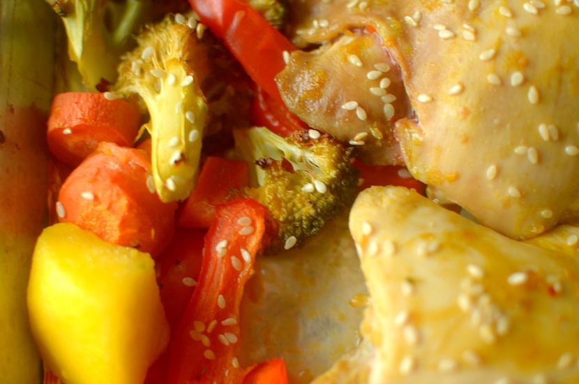 Dinner has never been easier or tastier than with this Mango Teriyaki Chicken & Veggies One Pan Dinner! You'd never guess it's Whole 30 friendly!