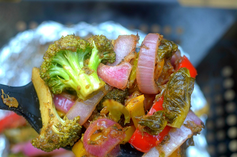 Do you love jerk chicken? Than be prepared to love these jerk seasoned grilled vegetables! They are so easy to make with a simple homemade jerk sauce that is paleo, vegan and whole30 friendly!